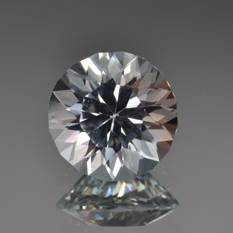 Natural Topaz 5.39 Cts Top Quality with Precision cut.