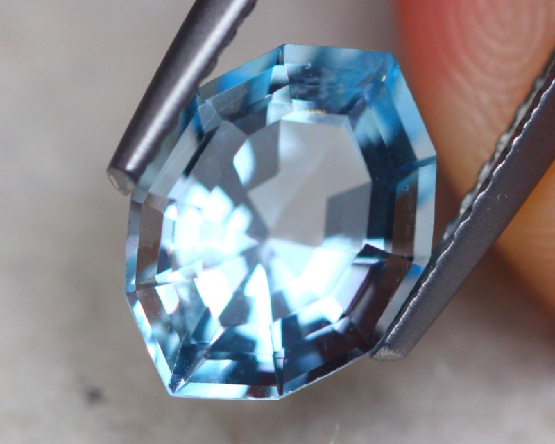 2.45ct Natural Blue Topaz Fancy Cut Lot P365