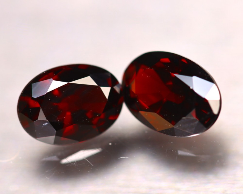 Almandine 4.57Ct 2Pcs Natural Vivid Blood Red Almandine Garnet EF1509/B3