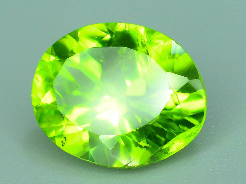 2.60 Ct Natural Green Peridot