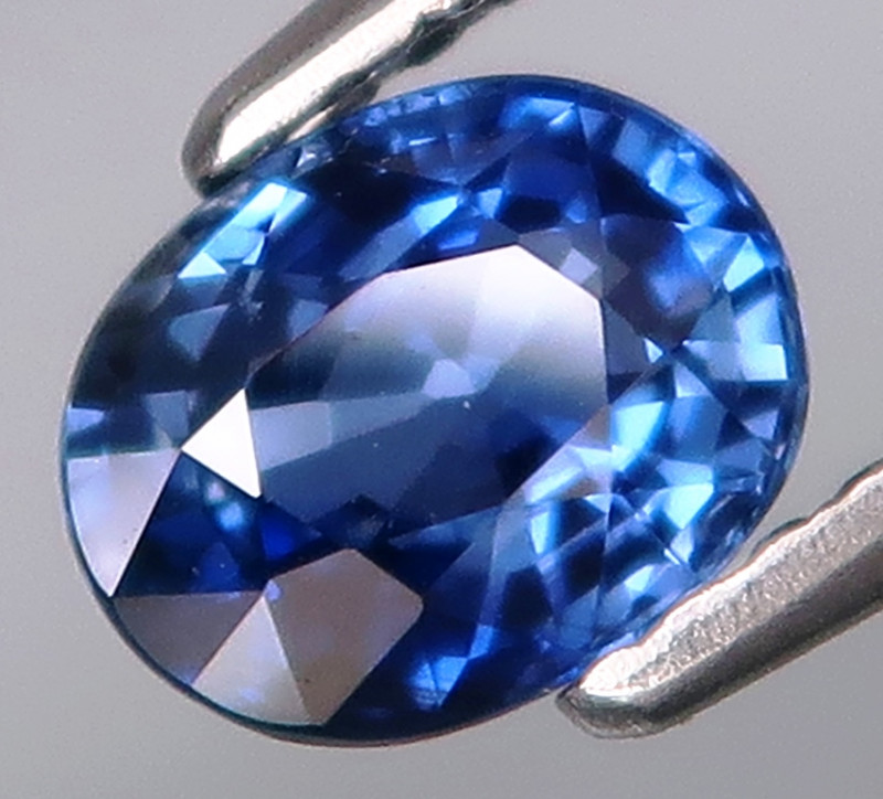 1.01Ct.Ravishing Color Natural Blue Sapphire Africa Very Good Luster!