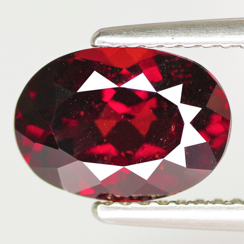 2.92 Cts Unheated Natural Deep Red Rhodolite Garnet Gemstone