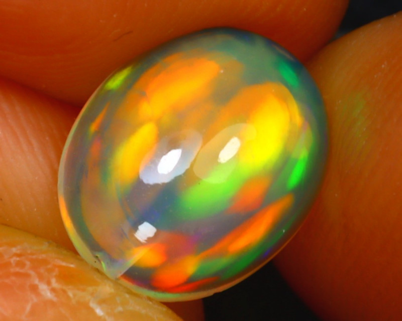 Welo Opal 1.27Ct Natural Ethiopian Play of Color Opal D1619/A28