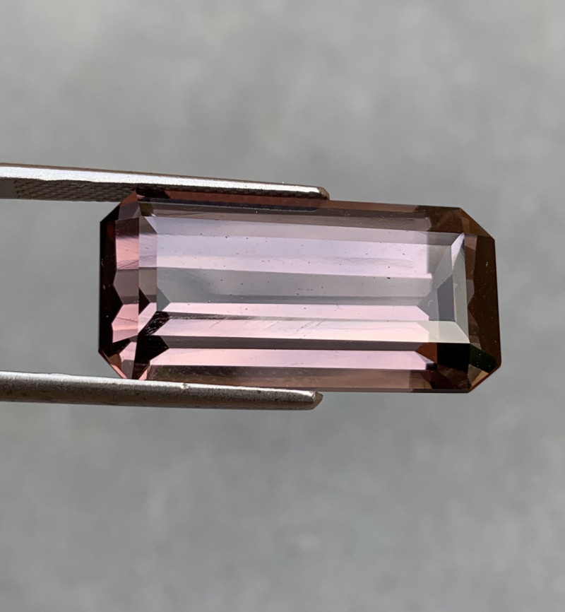 23.27 Cts Top Class Natural Scapolite Color shift gemstone