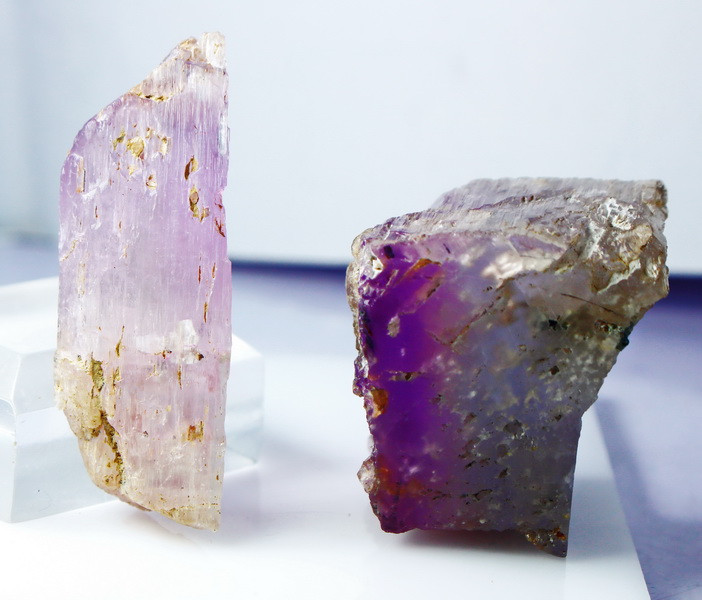 525.15 Cts Natural - Unheated Pink Kunzite  Rough lot