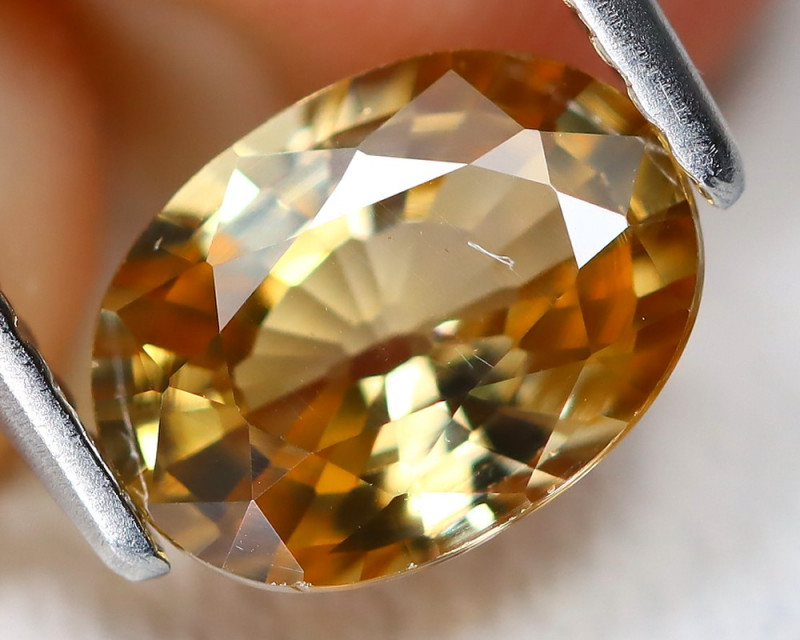 Yellow Zircon 1.70Ct VS Oval Cut Natural Yellow Orange Zircon B6868