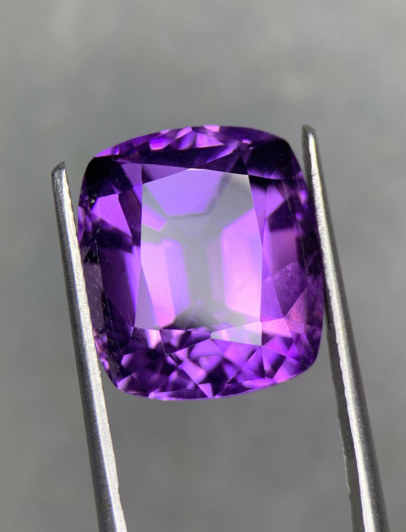 13.80 Cts  Top color Fancy cut Natural  Amethyst Gemstone