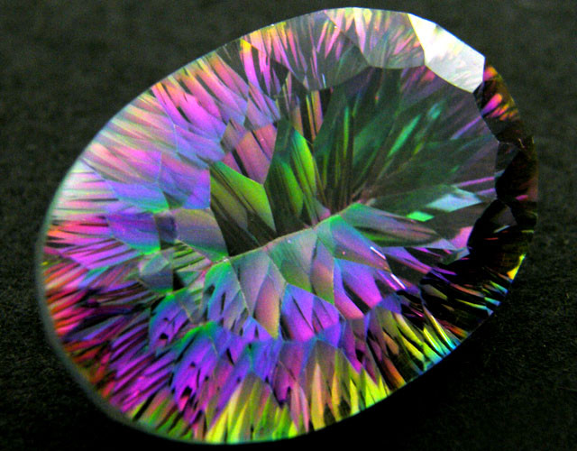 MYSTIC QUARTZ  VVS  FACETED 48.20 CTS  GTT 130