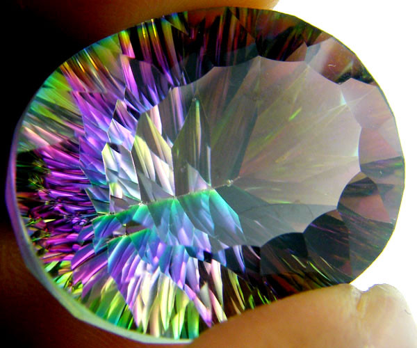 OVAL  MYSTIC QUARTZ  VVS  FACETED 31 CTS  GTT 230