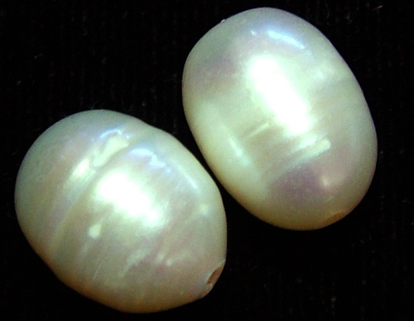 NATURAL FRESH WATER PEARL PAIR   17 CTS NP-223