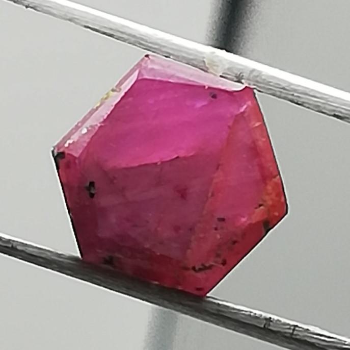 Ruby, trabiche, 3.64ct, beautiful gem, good quality!