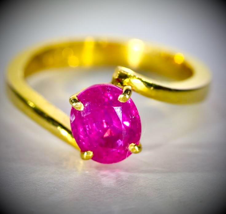 Jegdalek Ruby 2.25ct Solid 22K Yellow Gold Ring