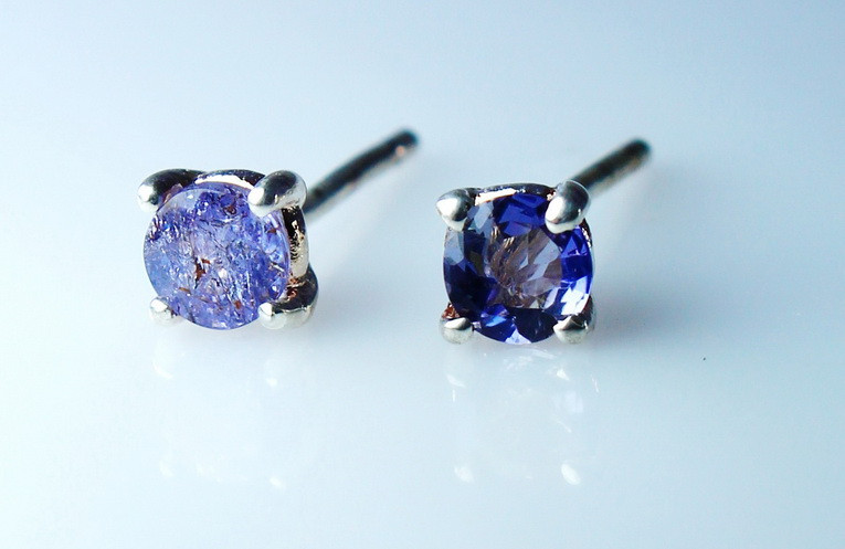 4 CTs Natural & Unheated~ Blue Tanzanite Earring