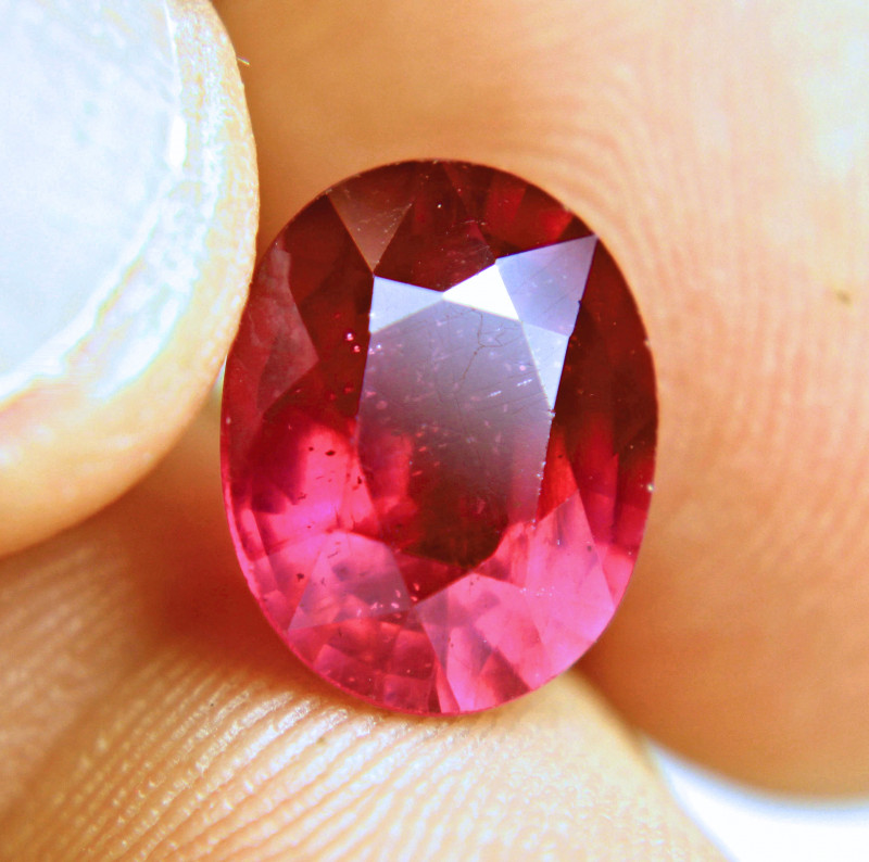 7.24 Carat Fiery, Vibrant Red Ruby - Gorgeous