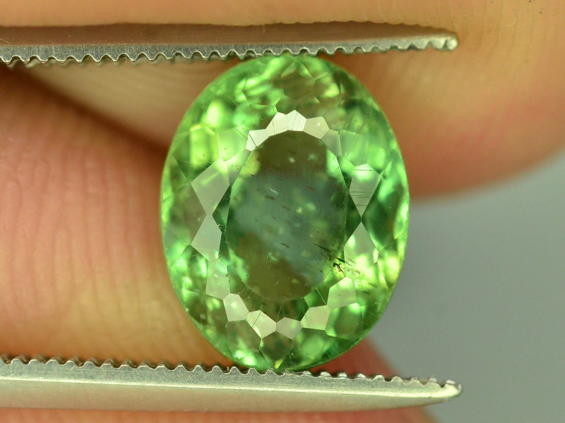 Great Luster 2.85 ct Green Apatite ~ T