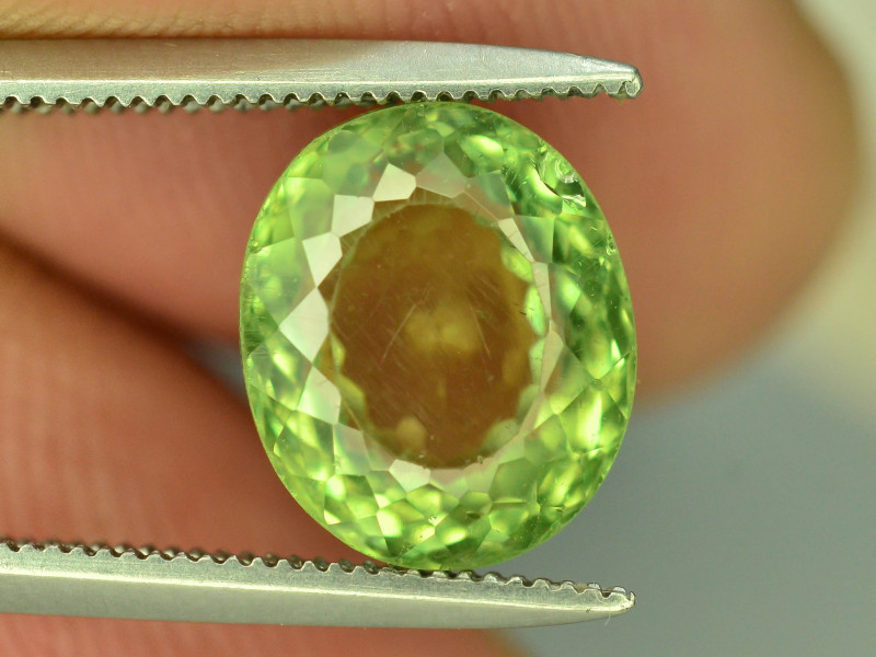 Great Luster 3.70 ct Green Apatite ~ T
