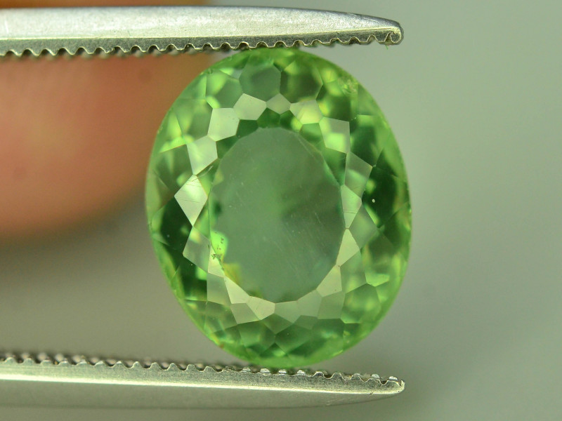 Great Luster 3.05 ct Green Apatite ~ T