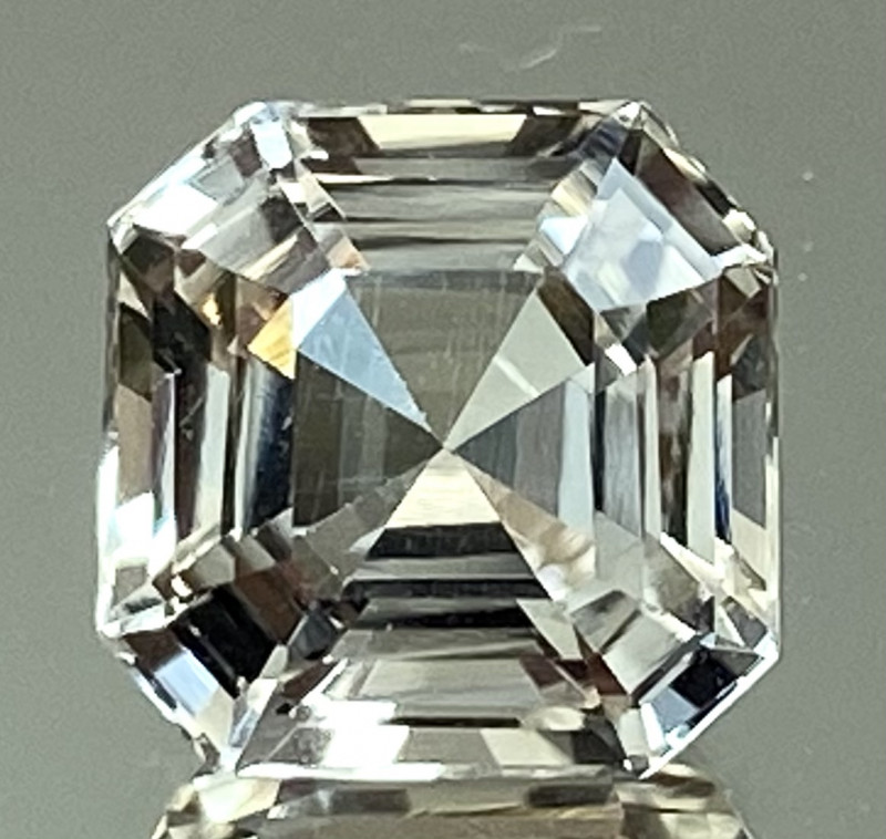 3.84Ct Topaz Excellent Asscher Cutting Top Luster From Pakistan. GTP 48