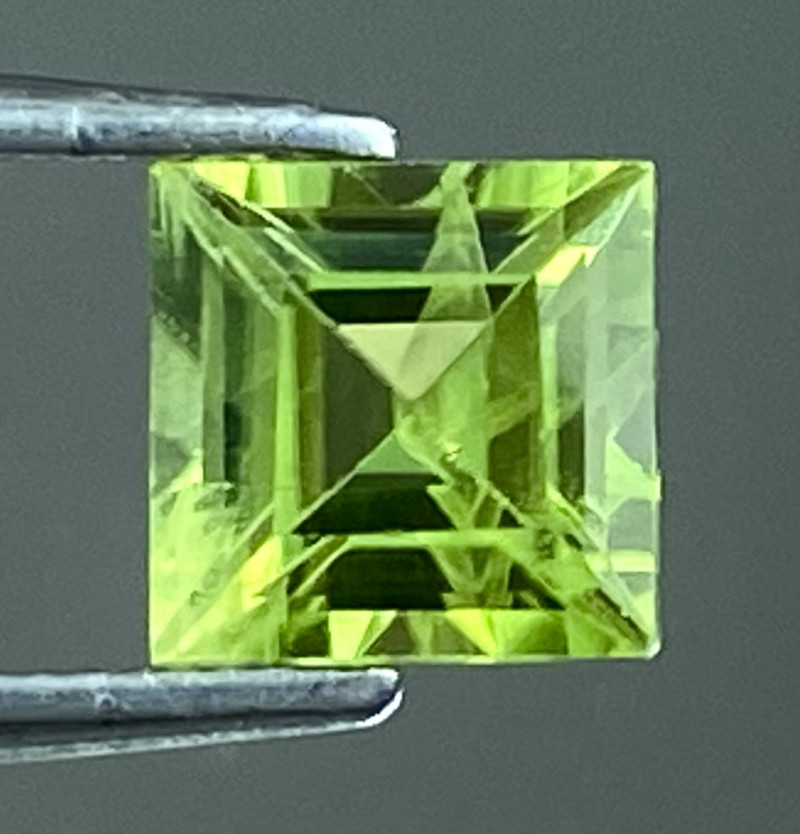 0.76Ct Natural Peridot Top Cutting Color Quality Gemstone.PD 01