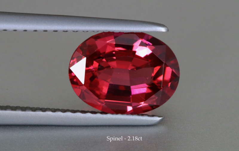 Glittering Vivid Reddish Pink Spinel - Oval -2.18ct - Eye Clean - Tanzania