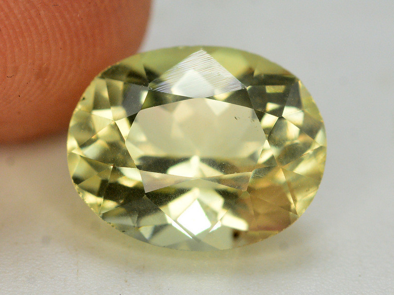 Top Quailty 3.45 Carat Natural Green Beryl Gemstone