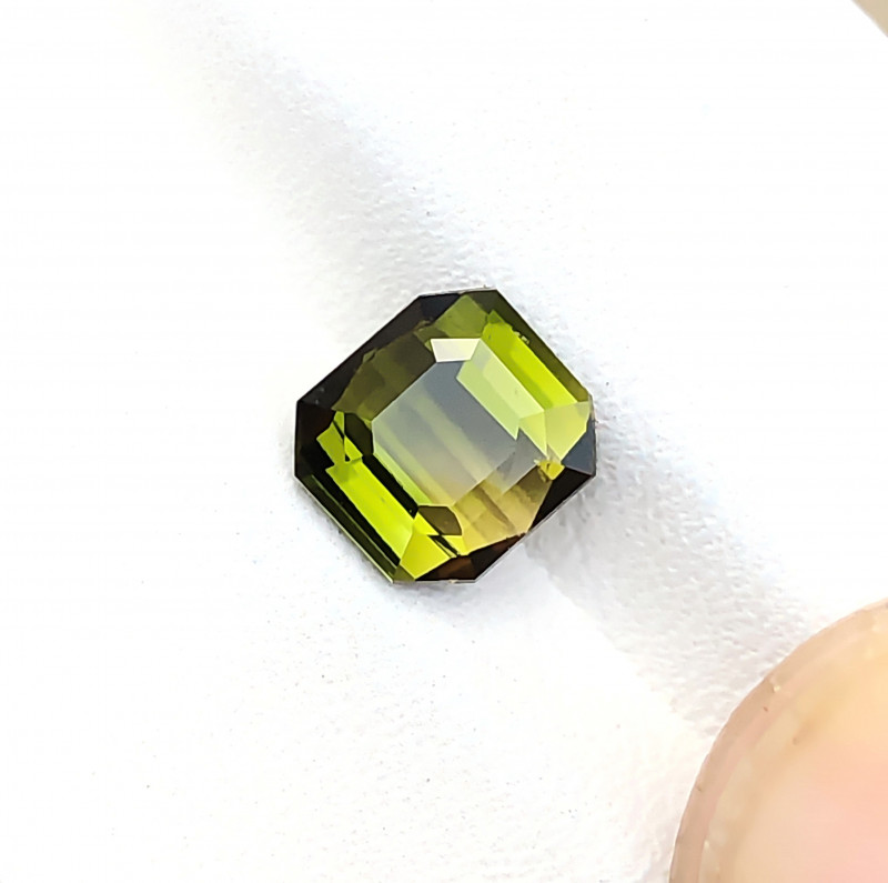 1.80 Ct Natural Yellowish Green Transparent Tourmaline Gemstone