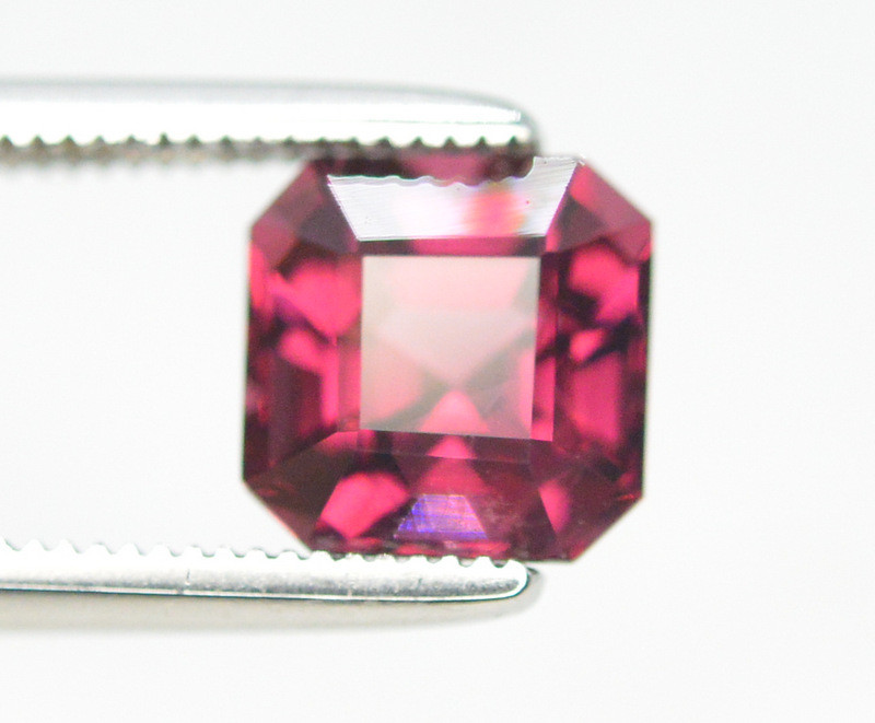 2.10 Ct Brilliant Color Natural Garnet