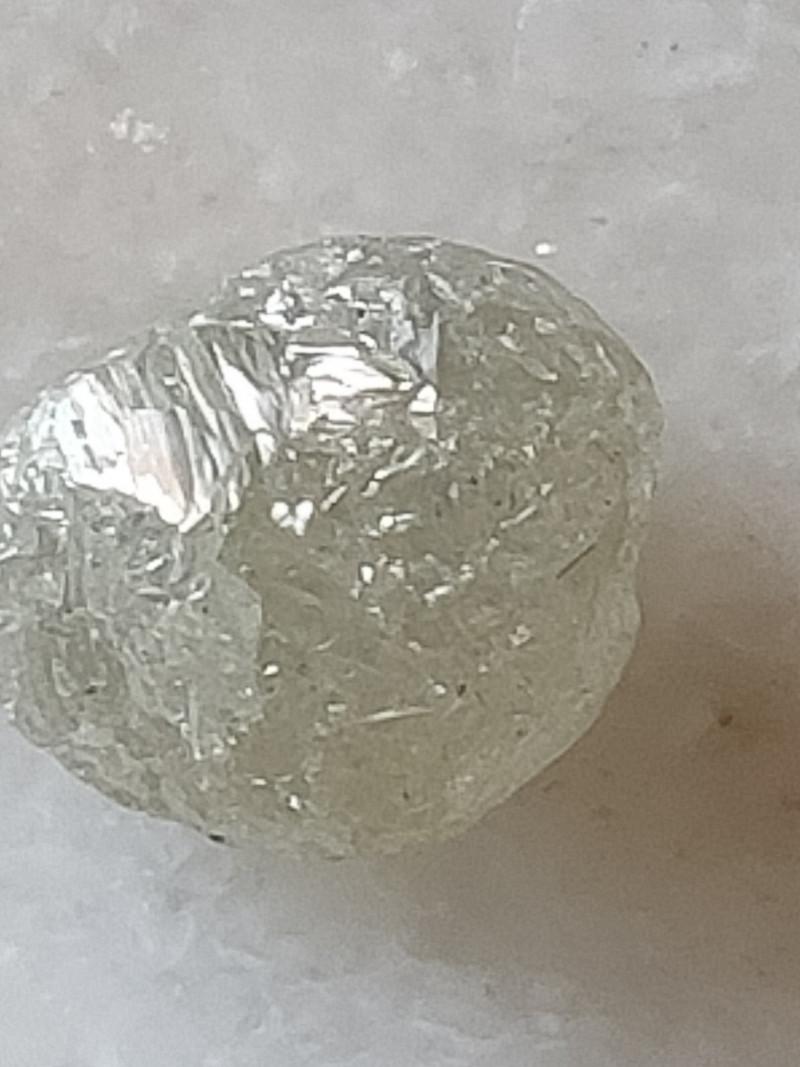 NATURAL WHITE DIAMOND ROUGH-5CTW SIZE -1PCS,EGG-SHAPE
