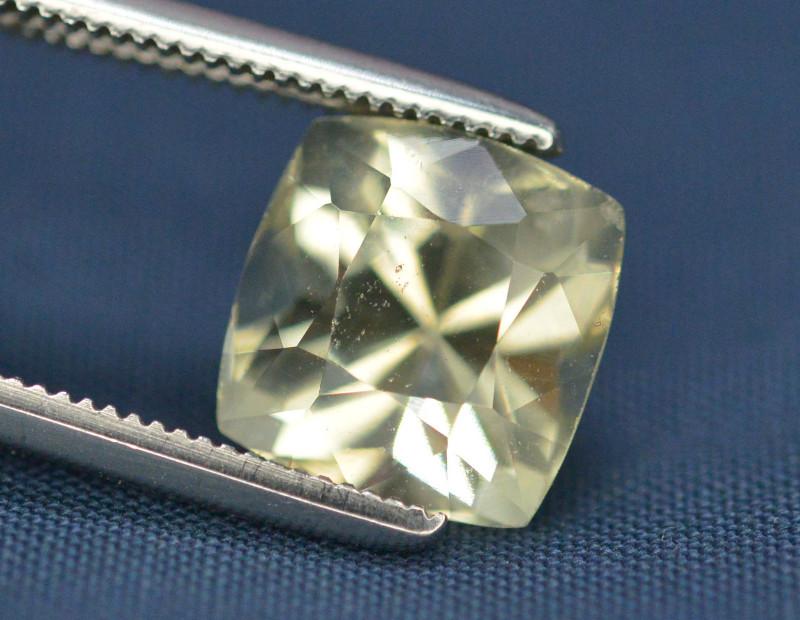 Top Quailty 2.85 Carat Natural Green Beryl Gemstone