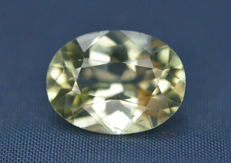 Top Quailty 3.55 Carat Natural Green Beryl Gemstone