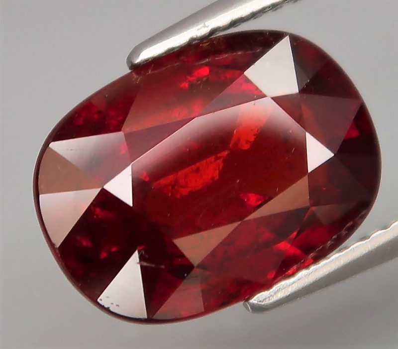 6.82  ct. UNHEATED  Natural Earth Mined Orange Spessartite Garnet Africa