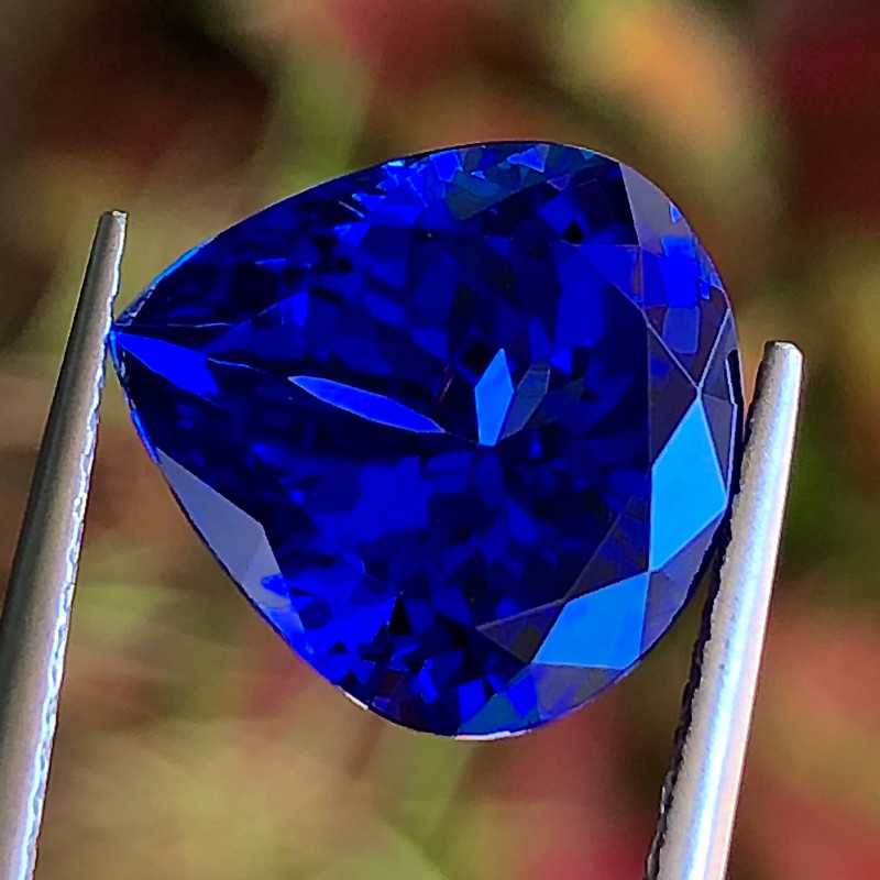 7.1 ct Tanzanite Loupe Clean with Fine Cutting Gemstone