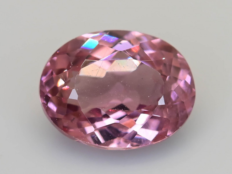 Rarest Garnet 1.62 ct Dramatic Color Change SKU-46