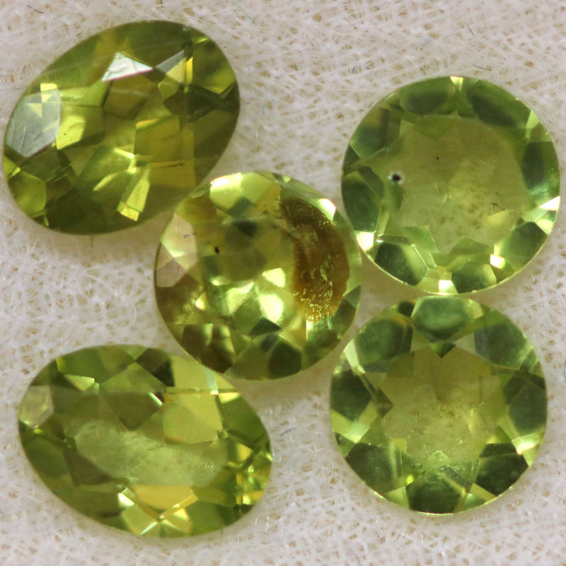 3.96 CTS PERIDOT  GEMS PARCEL [STS2134]