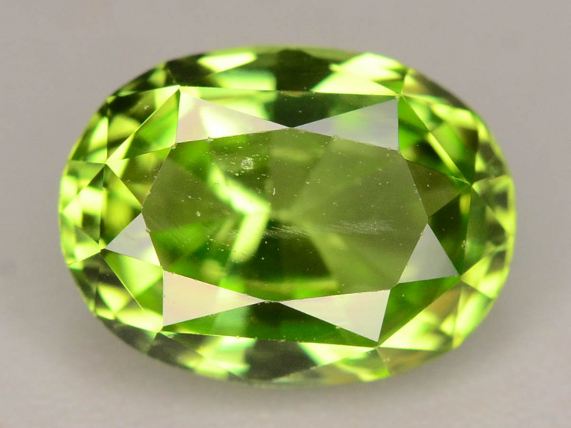 AAA Color & Cut 2.55 ct Peridot ~ Pakistan
