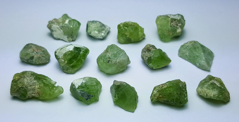 Amazing Natural color Rough gemmy quality Peridot lot 100Cts-N-H1