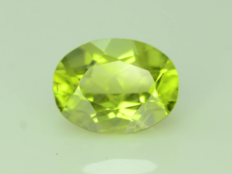Exquisit Color 1.35 ct Peridot ~ Burma ~ K