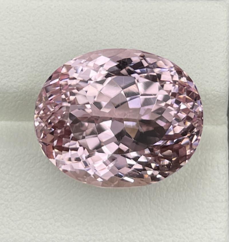 36.82 CT Kunzite Gemstones