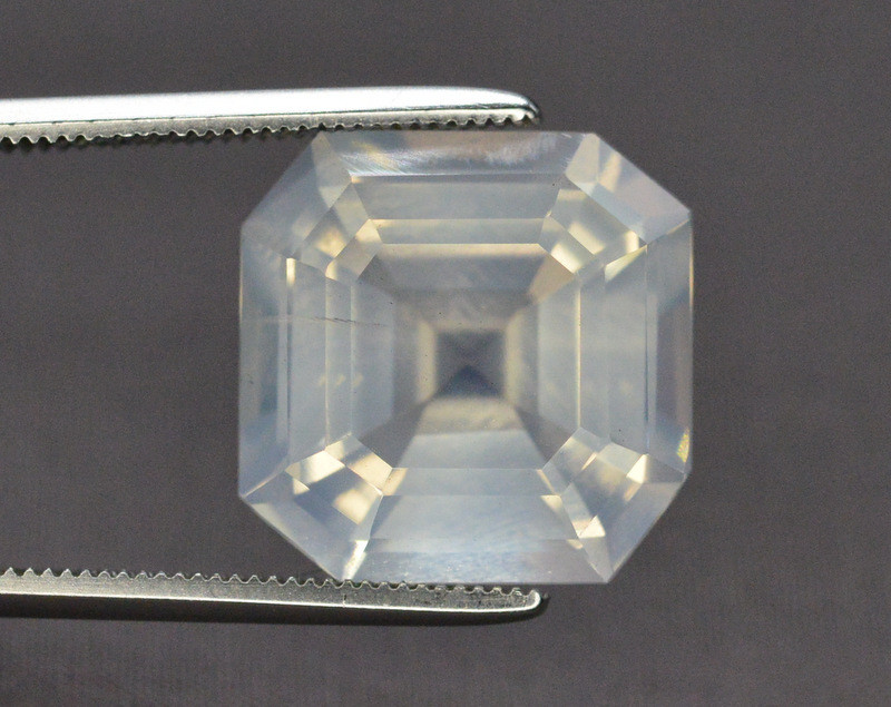 Top Quality 8.85 ct Natural Moonstone Amazing  Color