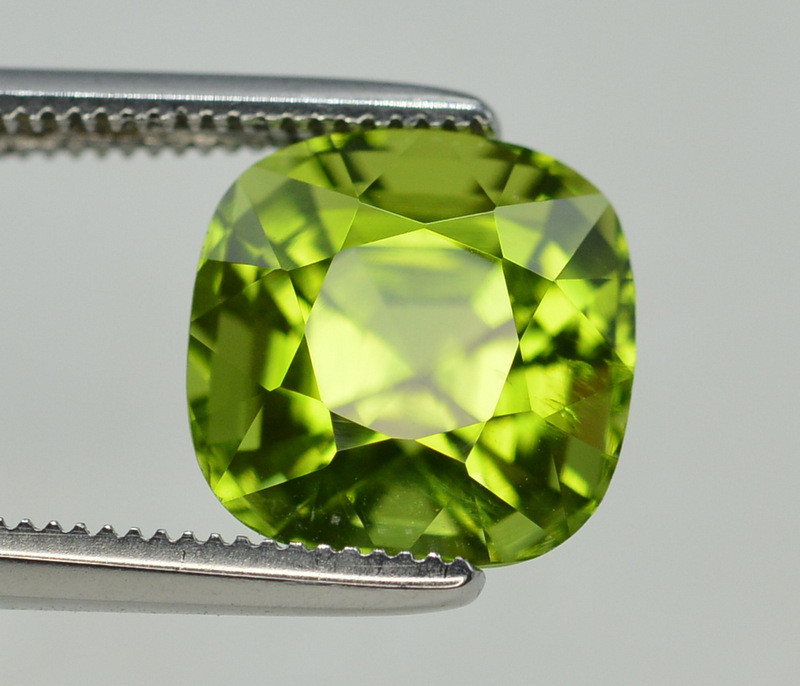 Peridot 4.10 Ct Natural Amazing Color, Top Quality~ A