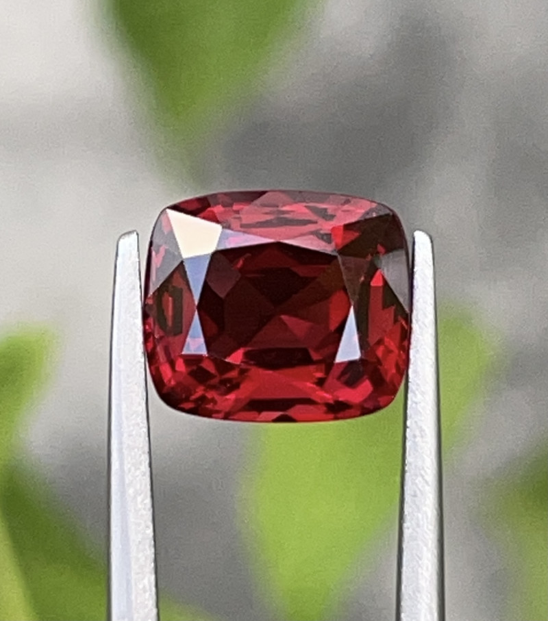 2.39 CT spinal Gemstone Top vivid Red pigeon blood color with fine Cutting