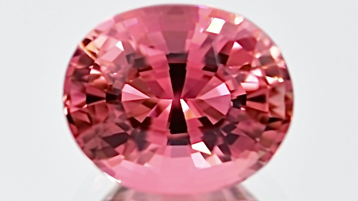 5.09 ct pink  Tourmaline  with fine Cutting and Excellent Luster Gemstone