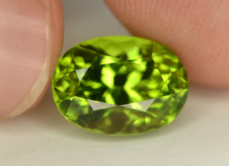 Peridot 4.55 Ct Natural Amazing Color, Top Quality~ A