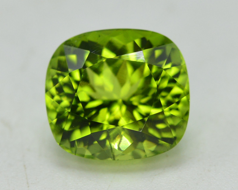 Peridot 5.90 Ct Natural Amazing Color, Top Quality~ A