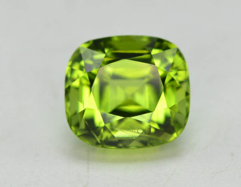 Peridot 4.05 Ct Natural Amazing Color, Top Quality~ A