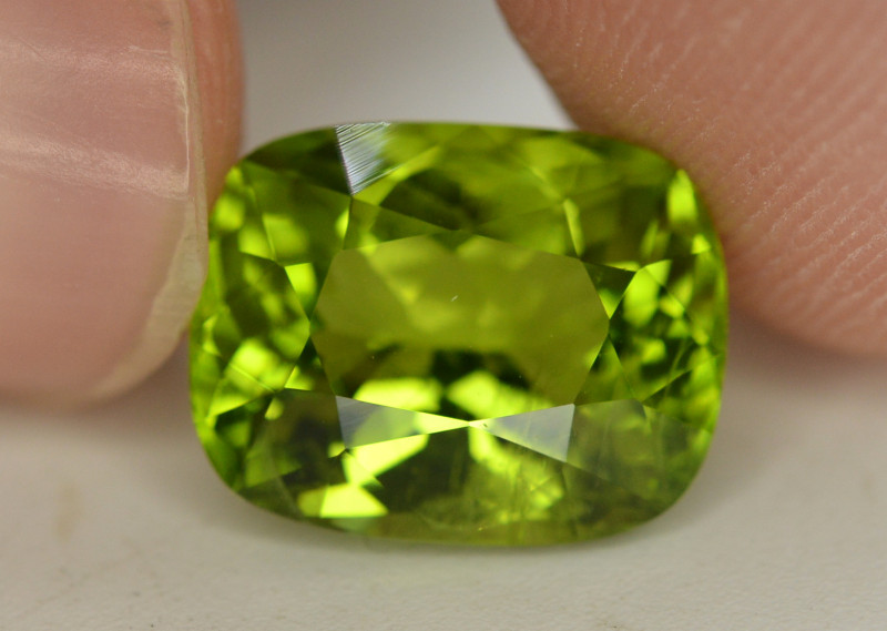 Peridot 5.65 Ct Natural Amazing Color, Top Quality~ A