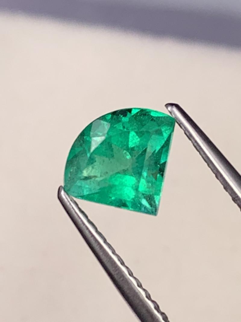 Certified Colombian Natural Emerald AAA Grade Muzo Green 0.93 Cts