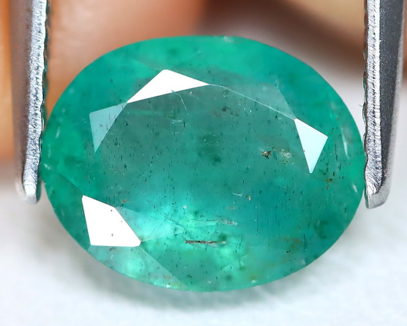 Zambian Emerald 1.77Ct Oval Cut Natural Green Color Emerald B0809