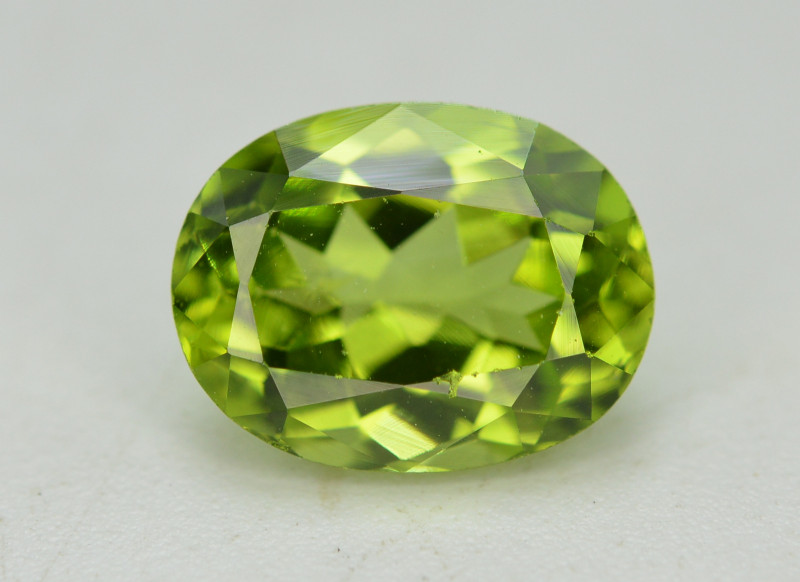 Peridot 2.70 Ct Natural Amazing Color, Top Quality
