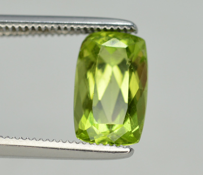 Peridot 2.10 Ct Natural Amazing Color, Top Quality